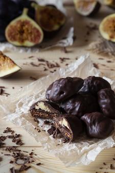 Chocoladesuikergoed met vijgen