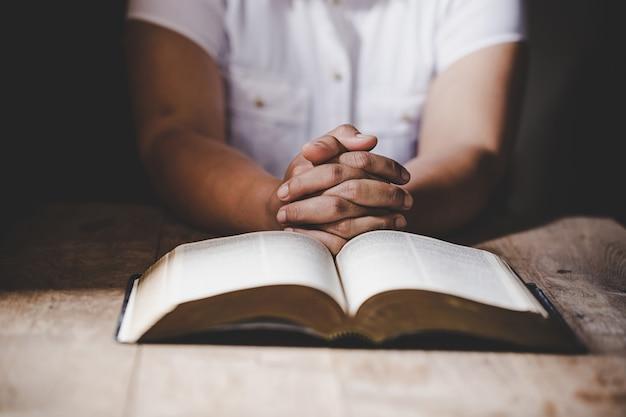 Christelijk leven crisis gebed tot god.