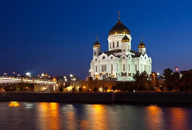 Christus de kathedraal van de verlosser in nacht, rusland