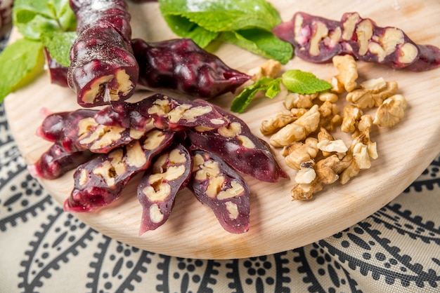 Churchkhela, georgische zoetheid van het sap en de noten