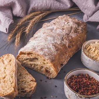 Ciabatta brood ingrediënten. gestemde foto