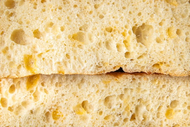 Ciabatta tarwebloem brood zuurdesem gist olijfolie italiaans recept verse portie klaar om te eten
