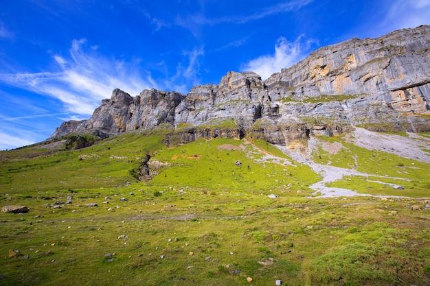 Circo de soaso in ordesa valley aragon pyrenees spanje