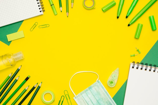 Circulair frame met gele achtergrond