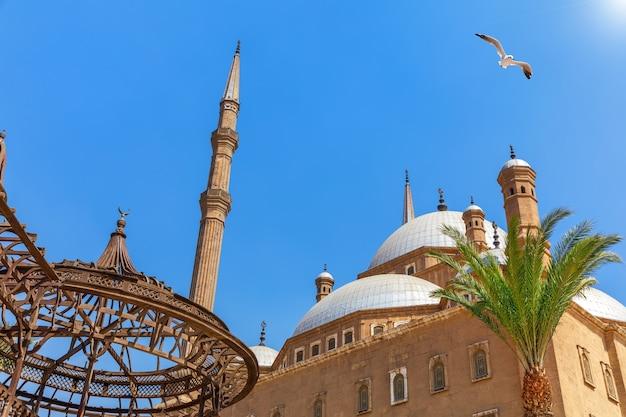 Citadel van caïro, uitzicht op de moskee, egypte.