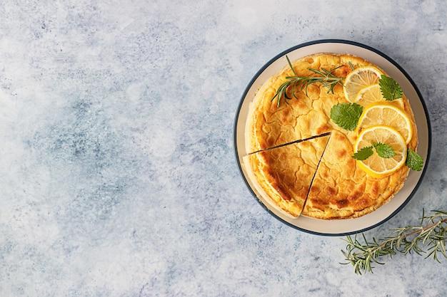 Citroen vanille cheesecake met rozemarijn