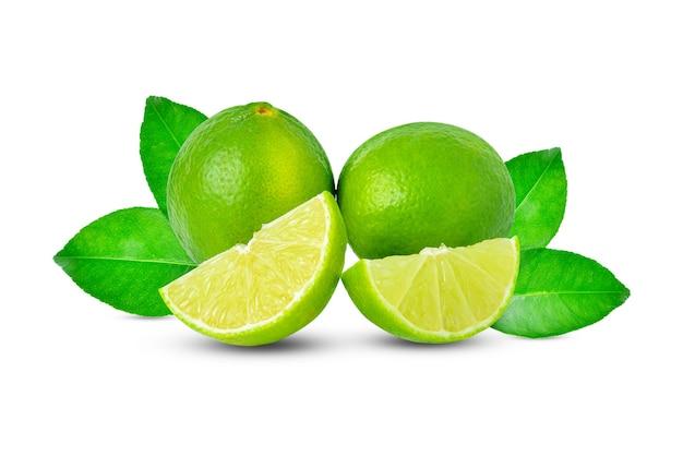 Citrus limoen fruit geïsoleerd op een witte achtergrond
