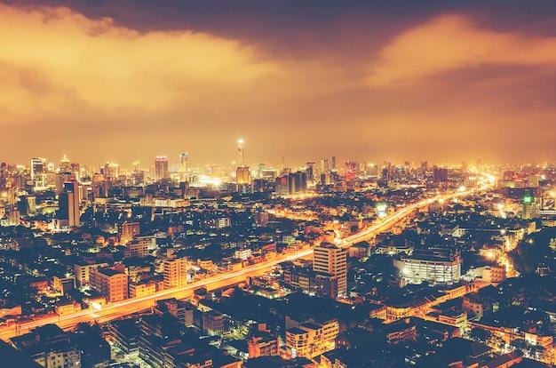 Cityscape van bangkok bij nacht, thailand