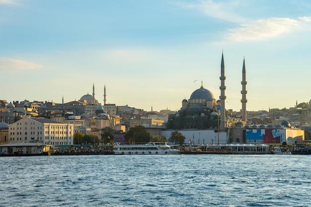Cityscape van istanboel horizon in de stad van istanboel, turkije
