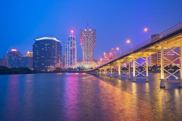 Cityscape van macao horizon bij nacht in china