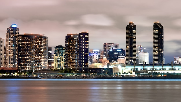 Cityscape van san diego 's nachts, verenigde staten