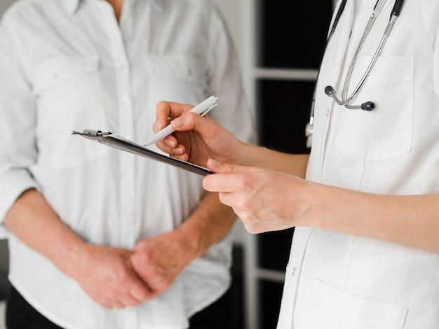 Close-up arts het schrijven