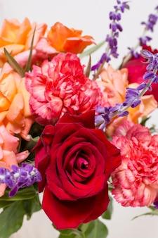 Close-up assortiment van schattige rozen