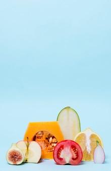 Close-up biologische groenten op tafel