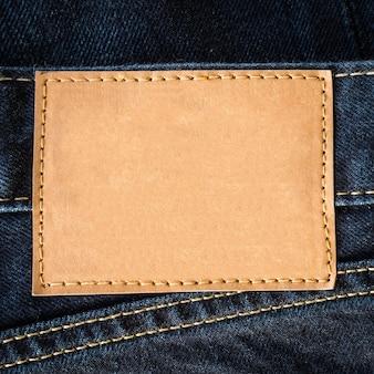 Close-up bruin lederen jeans leeg met ruimte