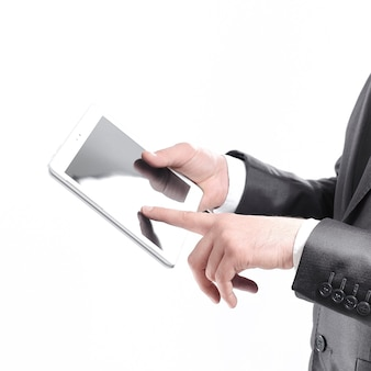 Close up.businessman met behulp van digitale tablet.isolated op wit.