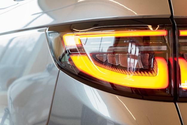 Close-up detail van het rode auto achterlicht