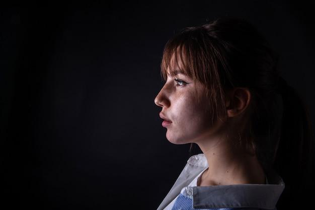 Close-up die van een jong meisje is ontsproten