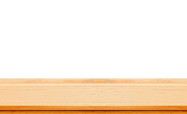 Close-up duidelijke houten studioachtergrond op witte achtergrond - goed gebruik voor huidige producten.