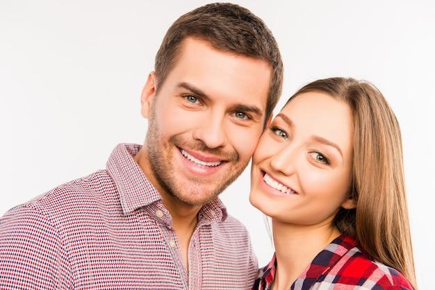 Close-up foto van gelukkige verliefde paar