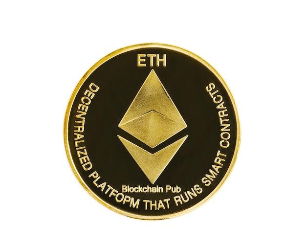 Close-up gouden ethereum symbool geïsoleerd op een witte achtergrond