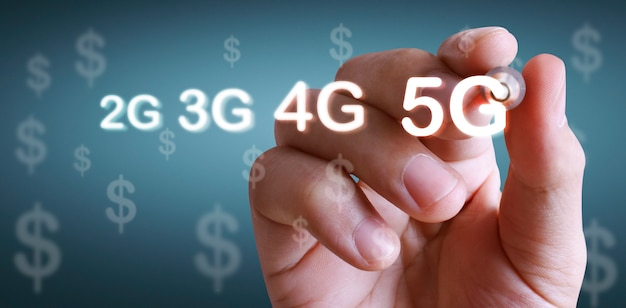 Close-up hand tekenen 5g-netwerk