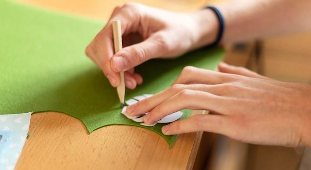 Close-up hand tekenen blad