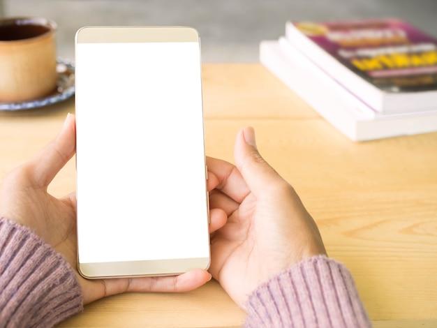 Close-up hand vrouw met mobiel