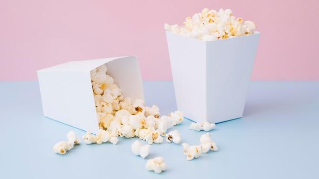 Close-up heerlijke popcorndozen
