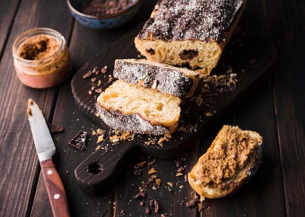 Close-up heerlijke zelfgemaakte bananenbrood Premium Foto