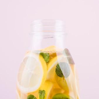 Close-up heerlijke zelfgemaakte limonade