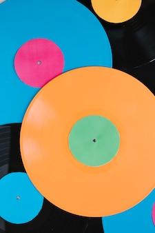 Close-up kleurrijke vinylschijven
