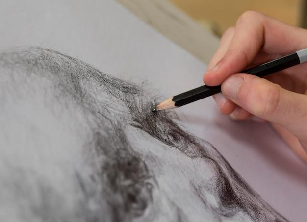 Close-up kunstenaar schets