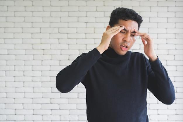 Close-up man stress, major van depressieve stoornis en burn-out concept