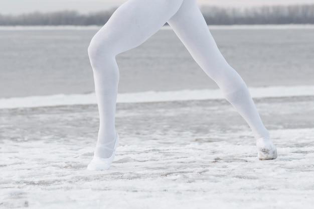 Close-up mannelijk dansend ballet