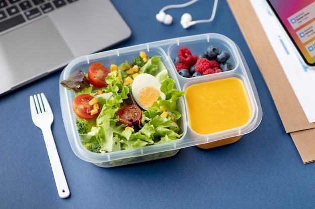 Close-up op lunchboxen met heerlijk eten