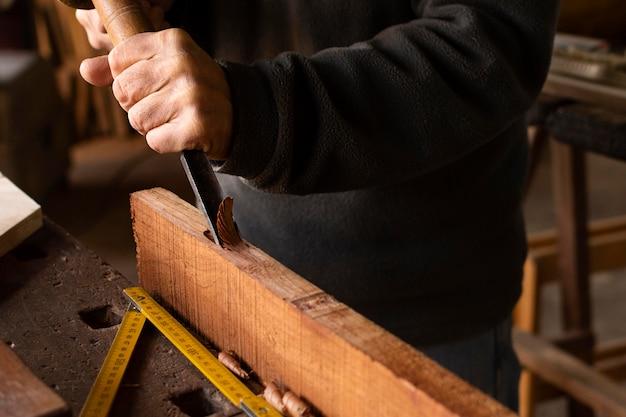 Close-up polijsten van hout