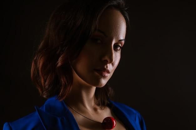 Close-up portret van een mooie vrouw