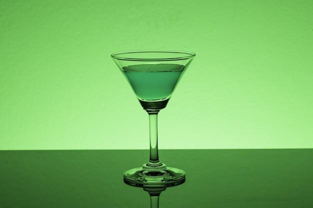 Close-up shot van een alcoholische drank