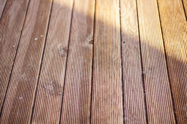 Close-up shot van een houten bank