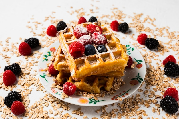 Close-up uitstekend ontbijt met wafels