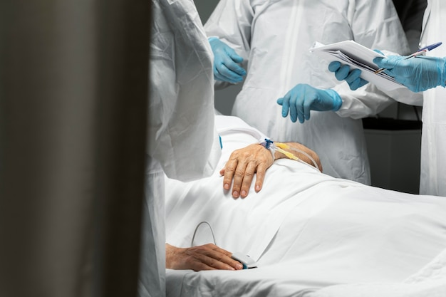 Close-up van artsen en patiënt