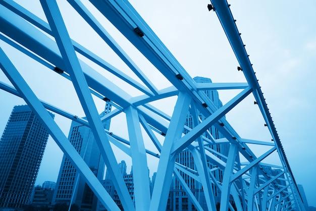 Close-up van bridge building frame