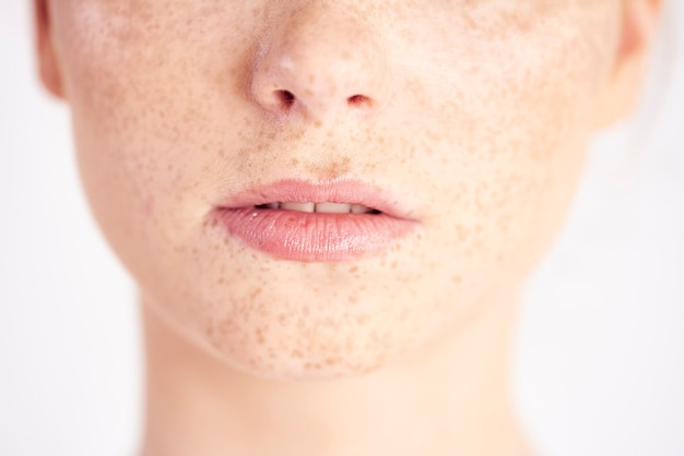 Close-up van de mond van natuurlijke schoonheid