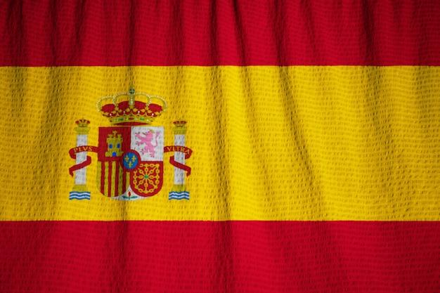 Close-up van de ruffled vlag van spanje, spanje vlag die in wind blaast