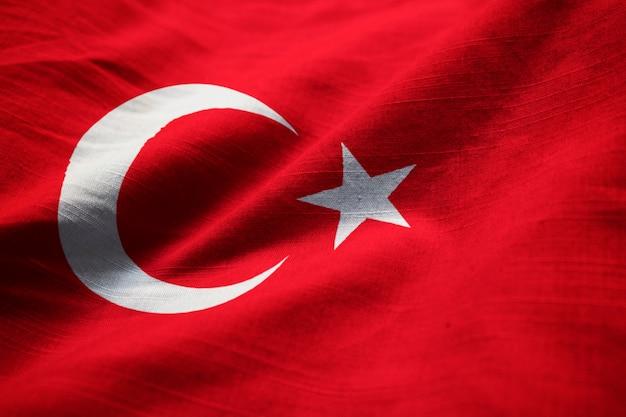 Close-up van de ruffled vlag van turkije, turkije vlag die in wind blazen