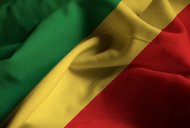 Close-up van de ruige republiek congo vlag, republiek congo vlag waait in de wind