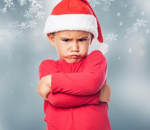 Close-up van de woedende kind bij kerstmis