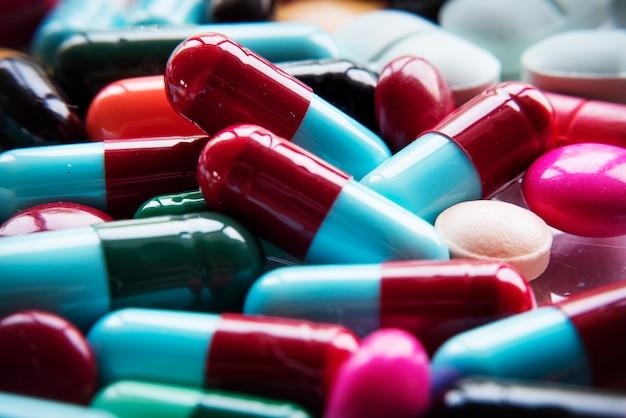 Close-up van diverse farmaceutische farmaceutische pillen