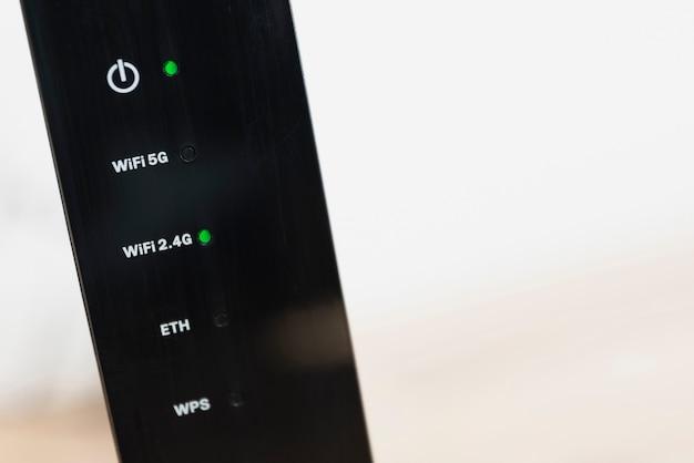 Close-up van draadloze router met kopie-ruimte